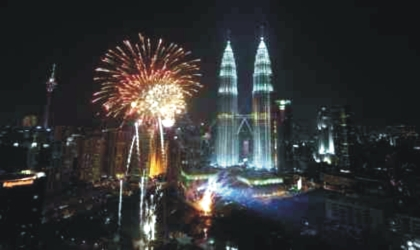 World rings in new decade with fireworks and parties.