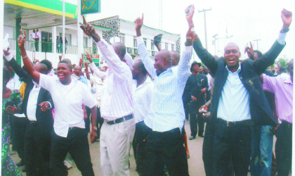 People's Democratic Party members jubilating after the Appeal Court ruling in Port Harcourt, on Wednesday. Photo: Chris Monyanaga