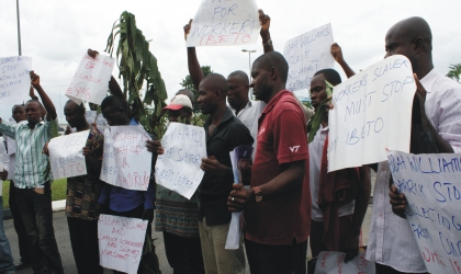 Staff of Ibeto Cement Company protesting against maltreatment to workers by the company, at the Rivers State House of Assembly, yesterday. Photo: Chris Monyanaga