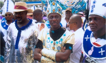Rivers State Governor, Rt. Hon. Chibuike Rotimi Amaechi (middle) flanked by his Cross River State counterpart, Mr Liyel Imoke (left) and state Commissioner for Culture and Tourism, Mr Marcus Nle-Ejii (right), during the 2010 CARNIRIV street parade, last Saturday. Photo: Donatus Ken