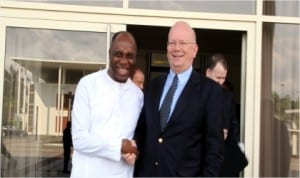 Rivers State Governor, Rt. Hon. Chibuike Rotimi Amaechi (left), in a warm handshake with the United States Ambassador to Nigeria, James F. Enwistle, when the Ambassador visited him in Port Harcourt recently.