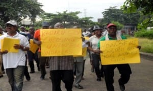 Members of Amalgamated Union of Public Corporation, Civil Service Technical and Recreational Services Employees (AUPCTRE), protesting in Lagos last Tuesday.