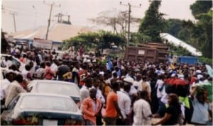 Protest by Ogoni youths who marked the World Human Rights Day by blocking East-West Road, to draw attention of the Federal Government to the non-implementaton of the UNEP report, yesterday.