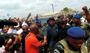 Rivers State Governor, Rt Hon. Chibuike Rotimi Amaechi in a handshake with members of Save Rivers Movement at a rally organised by the body in Bori, headquarters of Khana LGA. last Saturday.         Photo: Samson Egberi