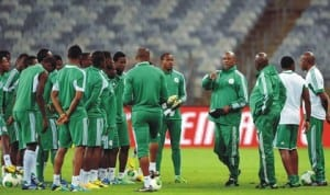 Keshi giving instructions to Super Eagles players ahead of the 2014 World Cup
