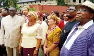 L-R: Chief Medical Director, University of Uyo Teaching Hospital, Prof. Etete Peters, Deputy Governor of Akwa Ibom, Lady Valerie Ebe, Health Director, Imabridge Africa, Christine Charington,  PDP National Vice Chairman, South East, Retired Col. Austin Akobundu and Minister of Niger Delta, Mr Steve Oru, at the inauguration of Community Health Centre donated by Imabridge Africa to Owot Uta, Ibesikpo LGA, Akwa Ibom State last Saturday.