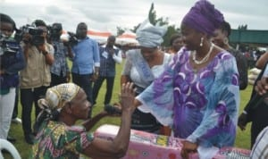 Wife of the Governor of Rivers State, Dame Judith Amaechi (right) donating a Vita Foam to Mrs Irekie Kpakor (left) at her visit to Gokana LGA,recently.