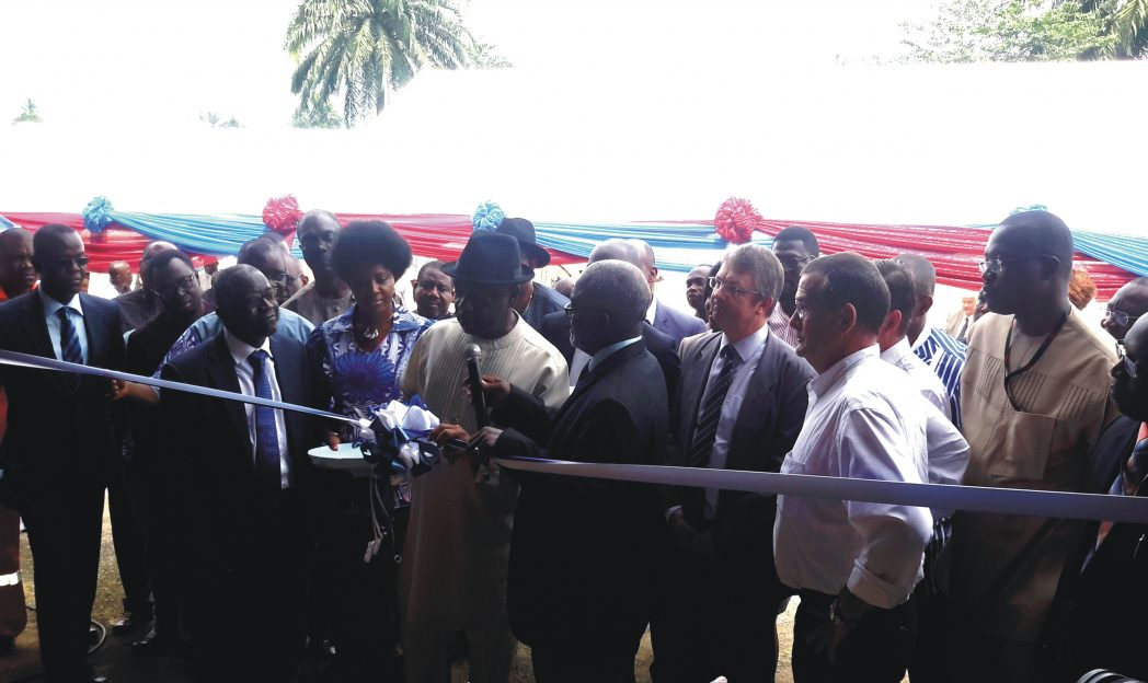 Executive Secretary, NCDMB, Ernest Nwakpa,, cutting the tape to inaugurate Benkline workshop in Port Harcourt, last Thursday. He is flanked by Chairman, Board of Directors, Benkline, Larry Osai (with mic), Jean-Claude Vachet of Total (3rd right), Thierry Bunel-Gourdy of Eurofiliales (2nd right) and General Manager, NCD, Shell Nigeria, Igo Weli (right).