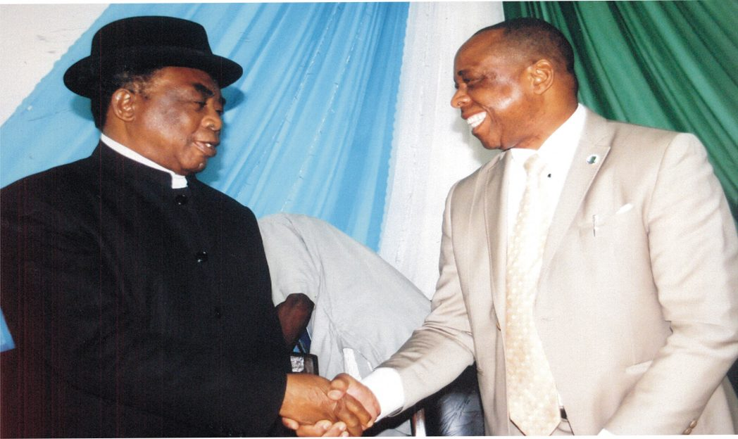 Vice Chancellor, Rivers State University of Science and Technology, Nkpolu, Prof Barineme B. Fakae (right), in a handshake with erudite Professor Dagogo Fubara, at the 2nd International Conference on Flood and Erosion Prevention, Protection and Mitigation organised by the University in Port Harcourt, recently.