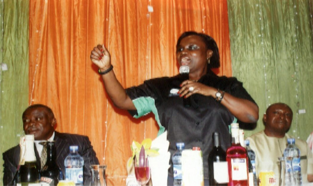 Executive Chairman, Rivers State Internal Revenue Service, Onene Osila Obele-Oshoko (middle), delivering an address, during the media dinner organised by RIRS in Port Harcourt recently. With her are board member, Sir Nelson Wali (left) and another board member, Mr. Christian Ogbowu. Photo: Egberi A. Sampson