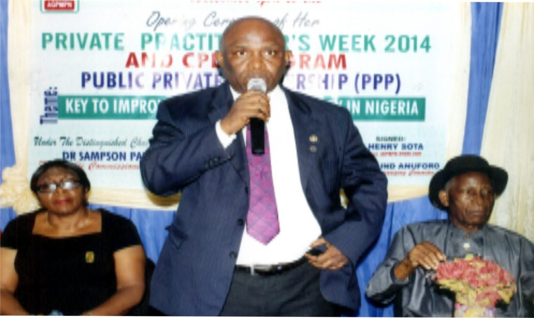 Chairman, AGPMPN, Rivers State branch, Dr. Henry Sota, (middle) speaking during the Private Practitioners Week 2014 and CPD programme, Public Private Partnership (PPP) organised by Association of General and Private Medical Practitioners of Nigeria (AGPMPN), Rivers State branch  in Port Harcourt recently. With him are  HRH. Eze F.C. Eze (right) and Dr. (Mrs) M.B. Sy-nowuke. Photo: Egberi .A. Sampson
