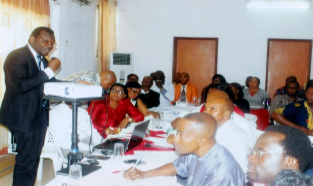 Consultant on ICT, Ladapo Olakunle (left) addressing broadcast journalists during a one-day workshop organised by the Rivers State Broadcasting Corporation at Meridian Hotel Rumuobiakani, Port Harcourt. Photo: Egberi .A. Sampson