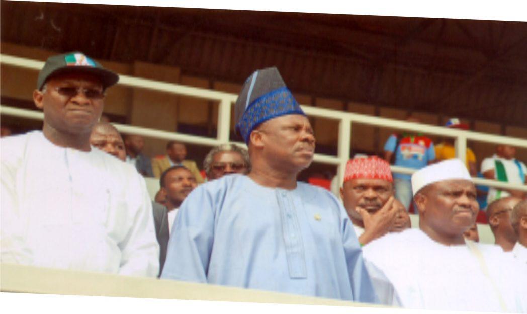 Alhaji Aminu Tambuwal (left) Speaker, House of Representative flanked by  Ogun State Governor, Senator Amosun Ibikunle and Alhaji Fashola of Lagos State at the APC Presidential rally held  in Port Harcourt recently.      Photo: Ibioye Diama