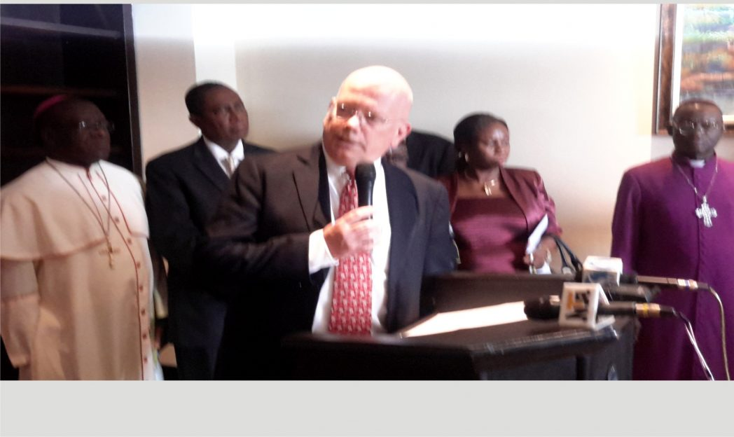 United States Ambassador to Nigeria, James Entwistle (middle) addressing key governorship candidates in Rivers State at the signing of non-violence pact in Port Harcourt, yesterday. He is flanked by religious leaders: Catholic Bishop of Port Harcourt, Dr Camillus Etokudo (left), Bishop Winston Iwoh of Grace Covenant Ministries (2nd left), state INEC Commissioner, Gesila Khan (2nd right) and Archbishop Ignatius Kattey of Niger Delta Anglican Communion