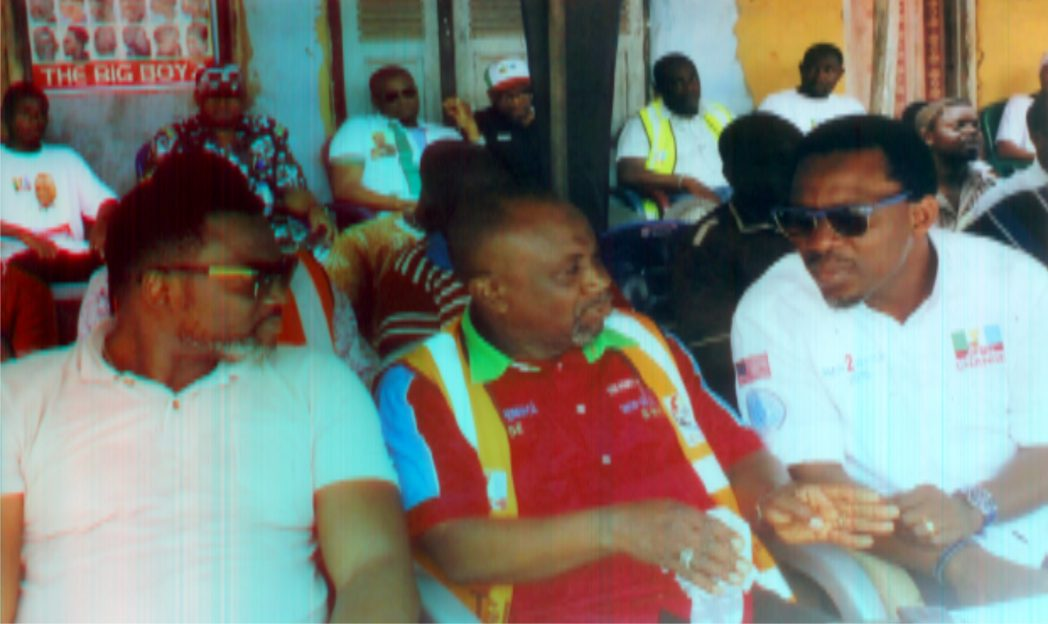 L-R: Leader of All Progressives Congress (APC) in Bonny LGA, Hon George Tolofari, CTC chairman, Degema LGA, Hon. Daddy Pokima, APC Federal House of Representatives candidate for Degema/Bonny Constituency, Hon. Aye Pepple, during APC campaign team visit to Bakana/Oguru-Ama Community, recently.Photo: Egberi A. Sampson
