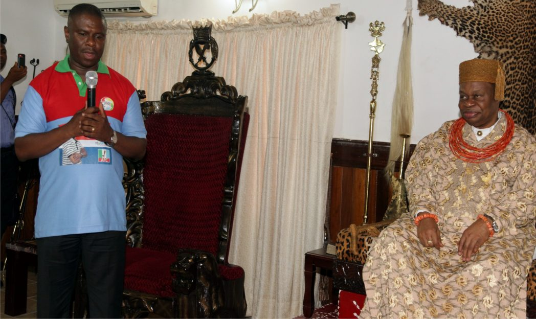 Rivers APC governorship candidate,Dr. Dakuku Peterside,  addressing Oba of Ogbaland,  Eze Chukwumela Nnam Obi II during a courtesy visit to his palace at Omoku Town, shortly before the campaign rally, yesterday
