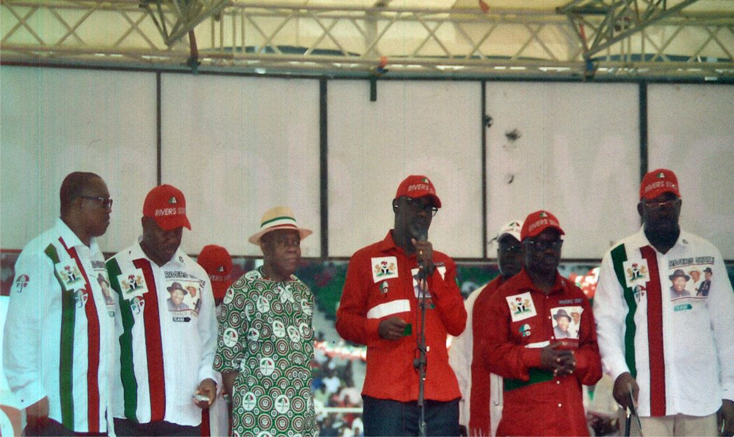 R-L:  Governors of Bayelsa, Seriake Dickson; Delta, Emmanuel Uduaghan; Cross River, Liyel Imoke; Abia, Theodore Orji; Akwa Ibom, Godswill Akpabio and former Anambra Governor,Peter Obi at the PDP Presidential rally in Port Harcourt, last Wednesday.