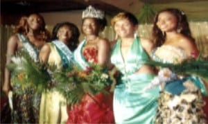 Miss Earth 2009, Nkechi Okendu (3rd right) with Ibinabo Fiberesima and other contestants