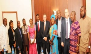 Chairman, Apc Enugu State, Dr. Ben Nwoye (6th left), U.s. Consul General in Nigeria, Mr John Bray (middle), With some members of Apc, Enugu State, during the visit of the Consul General to Apc, Enugu, recently