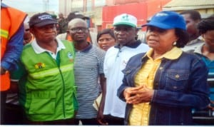 Rivers State Commissioner for Environment, Prof. Roseline Konya (right), state Environment Sanitation Taskforce Chairman, Mr Paul Nwachukwu (2nd right), Director of National Orientation Agency, Mr Oliver Worlugbom (left), monitoring monthly Environmental Sanitation exercise at the weekend.Photo: Chris Monyanaga