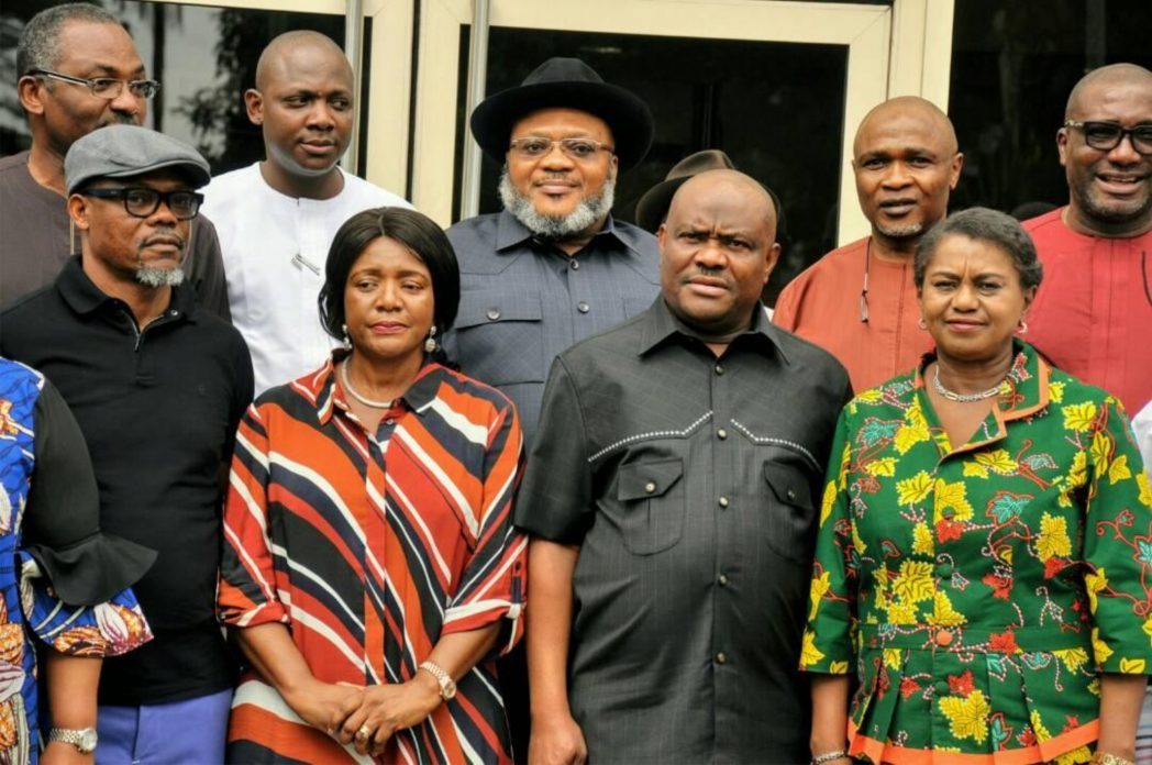 Front row: Rivers State Governor, Chief Nyesom  Wike  (2nd right), with his Deputy, Dr (Mrs) Ipalibo Harry Banigo (right), member representing Abua/Odual/Ahoada East  Federal Constituency, Mrs Betty Apiafi (2nd left), member representing  Eleme/Tai/Oyigbo Federal Constituency, Mr Barry Mpigi (left) and  other dignitaries, after the solidarity visit of Rivers Caucus of the  House of Representatives at the Government  House, Port Harcourt, last Friday.