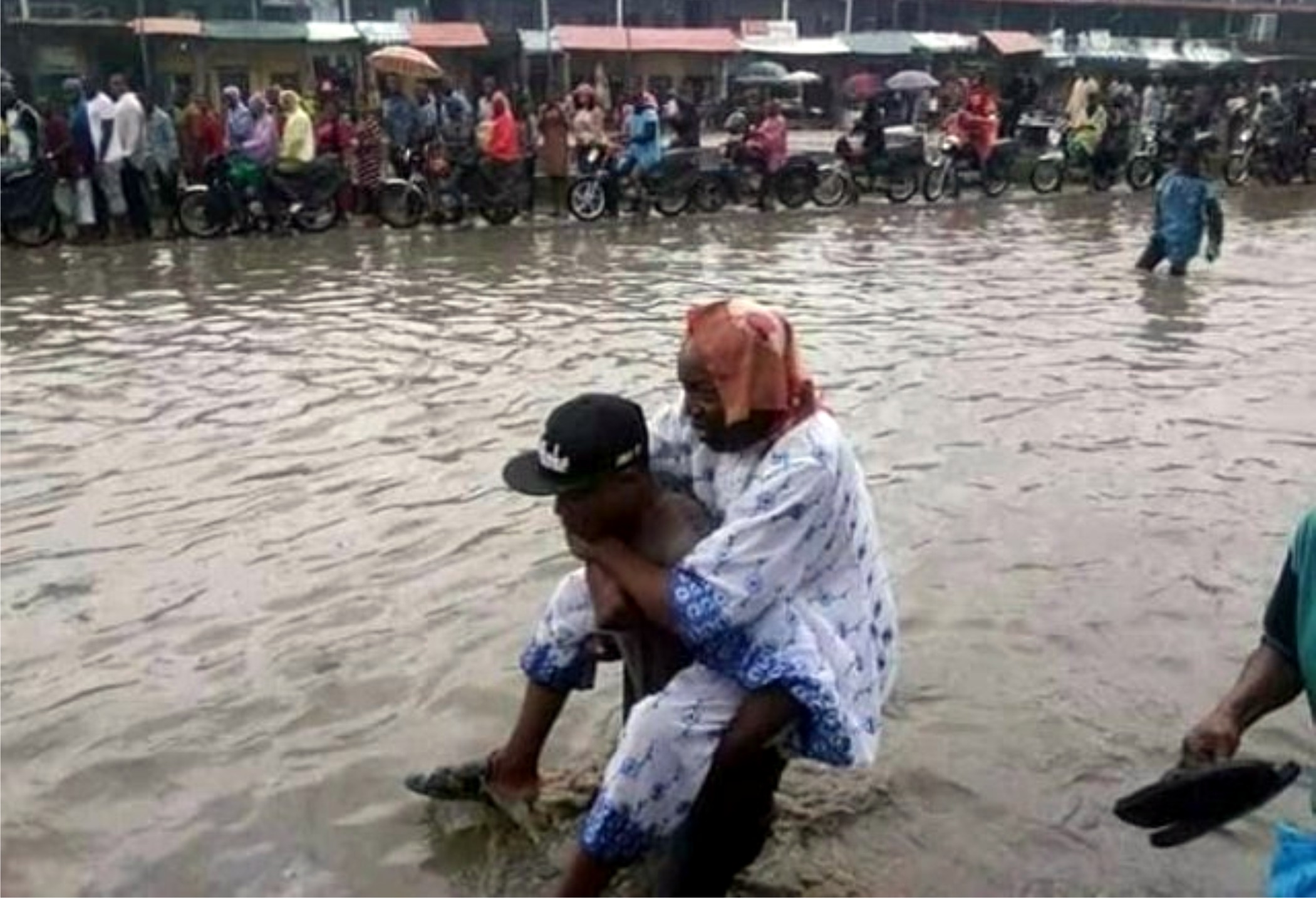 Three Feared Dead As Flood Displaces Over 200,000 In Rivers –